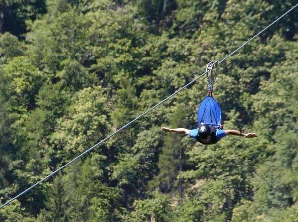 zip line flyemotion